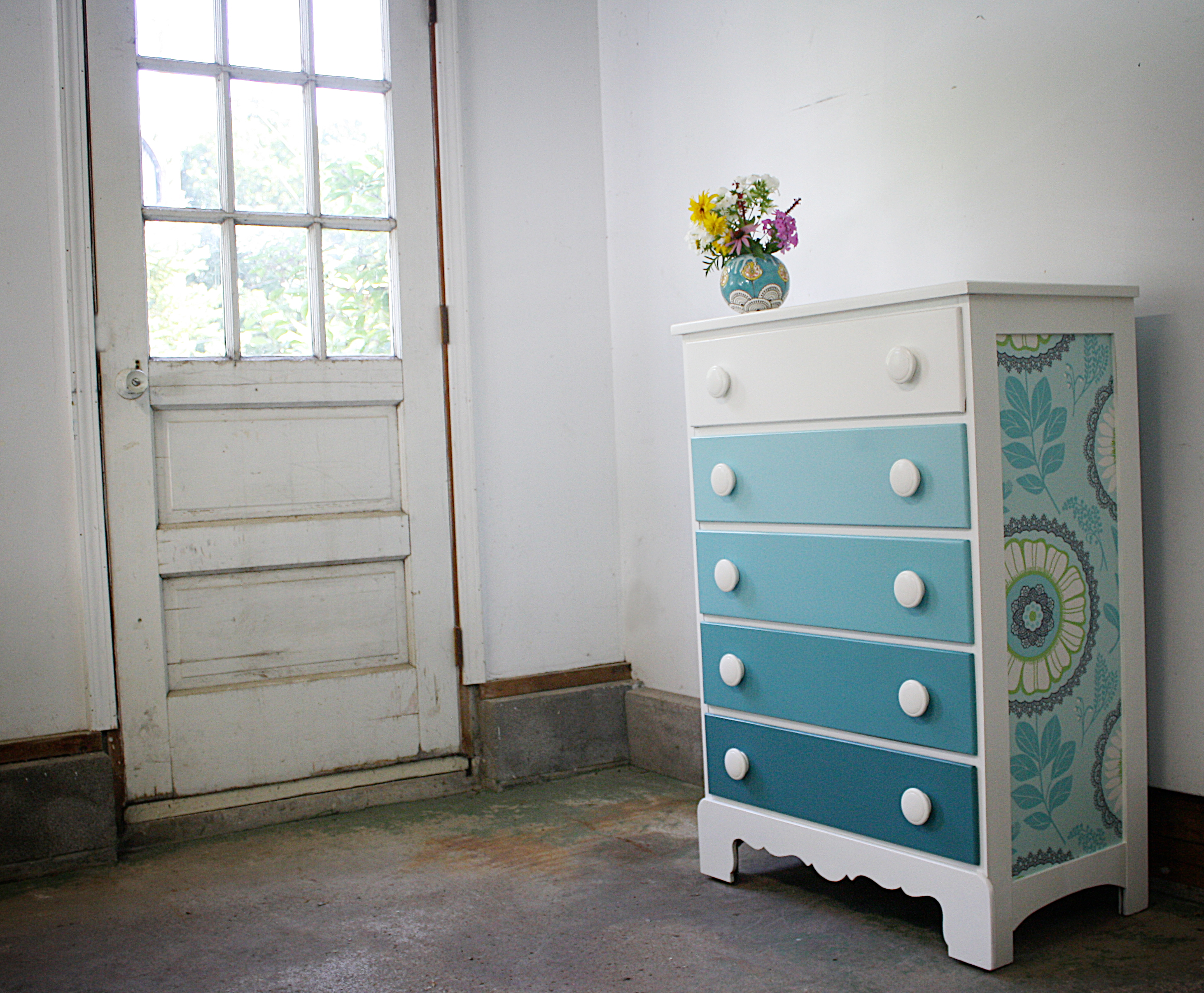 Ombre Dresser For